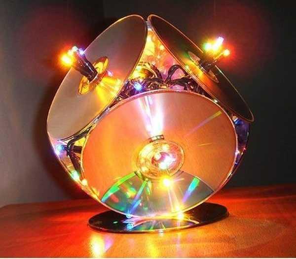 Ночник, изготовленный из старых CD дисков