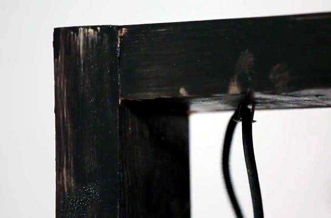 Крепление провода на раме