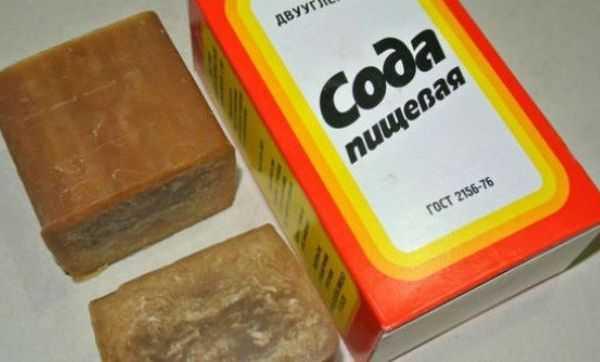 Хозяйственное мыло и пищевая сода для очистки хрусталя от грязи