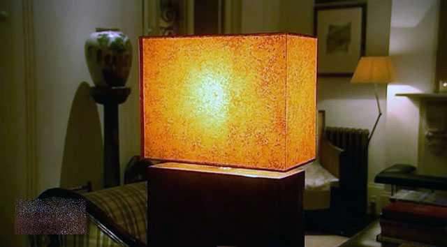 Светильник, имитирующий зажжённые свечи