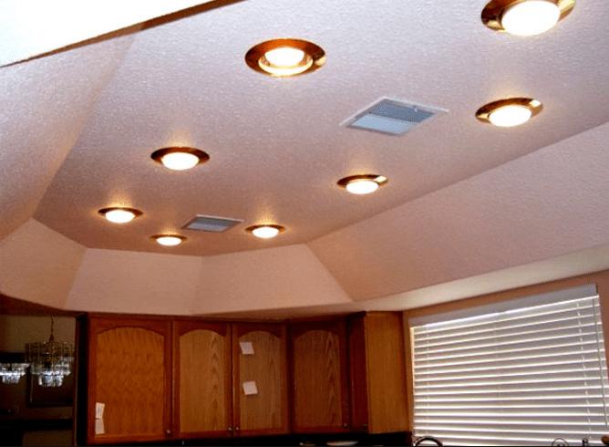 Готовая конструкция из гипсокартона со светильниками