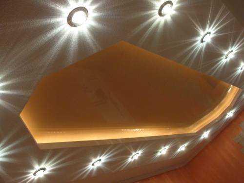 Удачное применение светодиодов для освещения комнаты