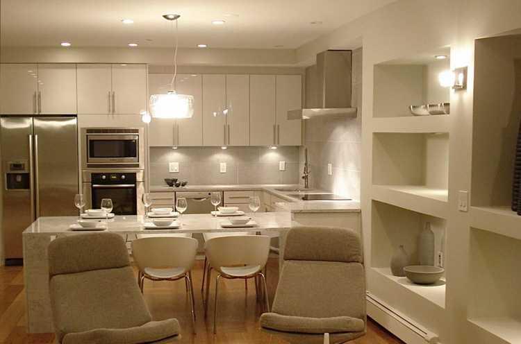 Равномерное освещение рабочих поверхностей кухни