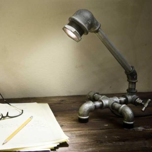 Настольная лампа в стиле «стим – панк»