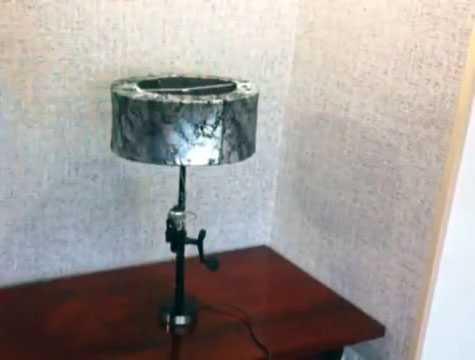 Торшер в варианте настольной лампы (ножка – спиннинг сложена)