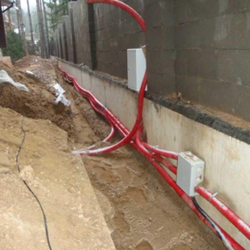 Прокладка кабелей в трубах под землей