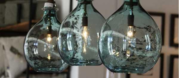 Декоративное освещение маленькими лампочками из бутылки