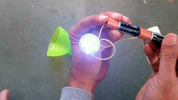 Монтаж проводов и проверка работоспособности светодиода
