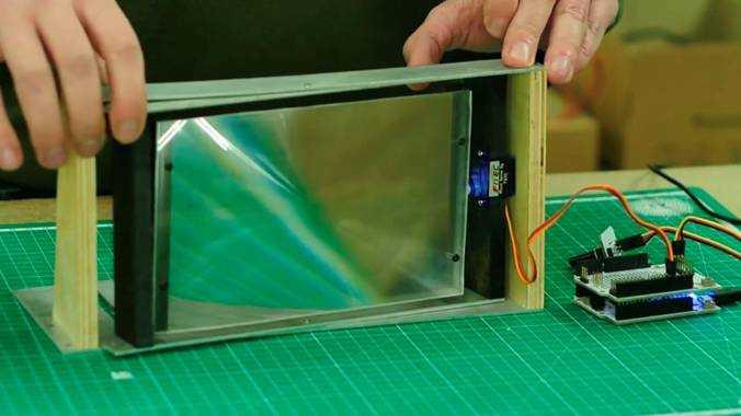 Устранение искажениий проекции подвеской матрицы с линзами с отклонением по горизонтали и вертикали