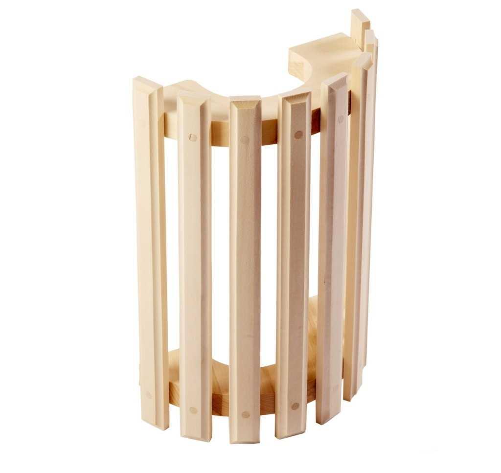Деревянный абажур на С – образном основании