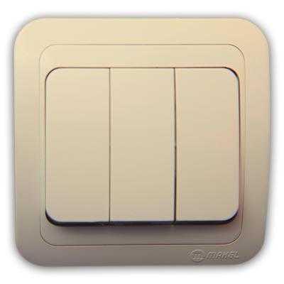 Модель с тремя кнопками