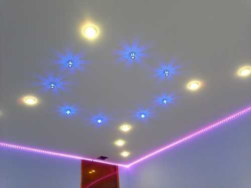 Интерьер со светодиодным освещением