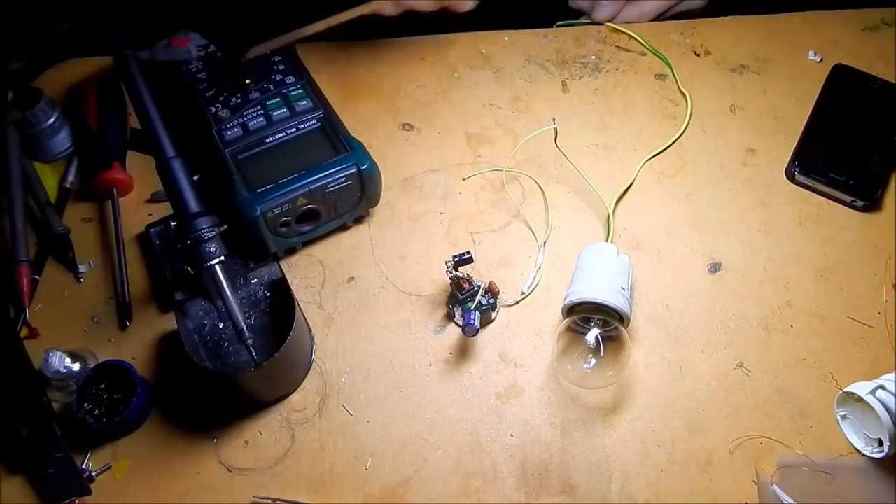 Последовательное соединение платы с лампочкой перед подачей напряжения 220 В