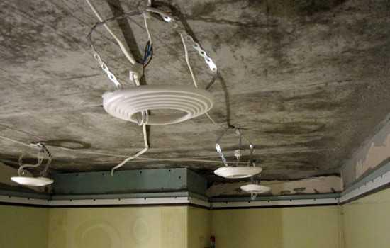 Монтаж проводки и установка площадок для софитов натяжного потолка