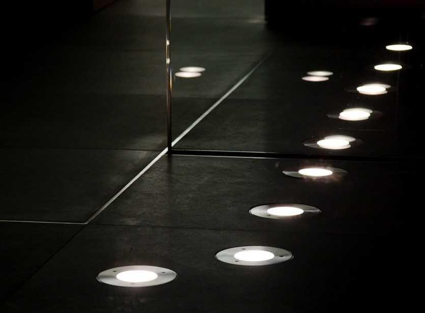 Точечные светильники в плиточном полу