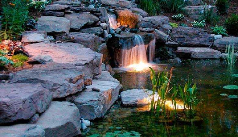 Яркий пример ландшафтного декоративного освещения